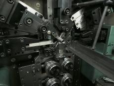 シャッターバネ製造1.JPG