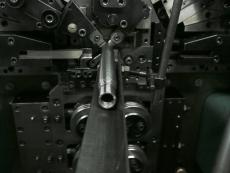 シャッターバネ製造2.JPG