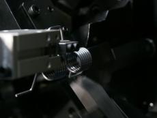 ダブルトーションスプリング製造6 SWP-B Φ1.8.JPG