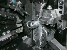 引きバネ 十字カン Φ3.2 製造2.JPG