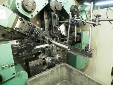 引きバネ製造1 Φ4.5.JPG