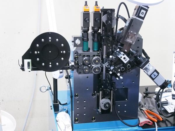 NCスプリングコイリングマシンCX-B 2.JPG